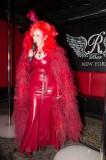 latex-fashion-show-feathers_8992