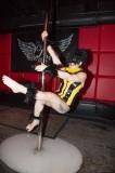 latex-fashion-show-feathers_9026