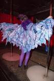 latex-fashion-show-feathers_9071