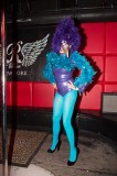 latex-fashion-show-feathers_9103