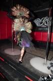 latex-fashion-show-feathers_9115