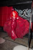 latex-fashion-show-feathers_9148