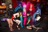 latex-fashion-show-feathers_9197