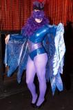 latex-fashion-show-feathers_9200