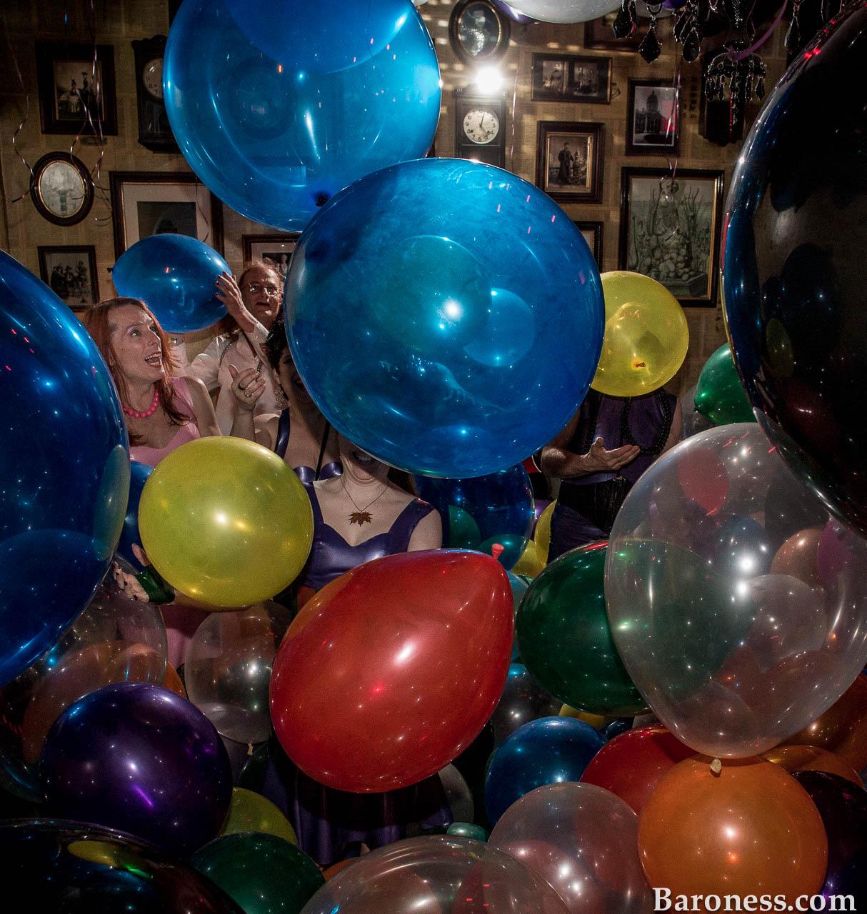Balloon Fetish Pics 104