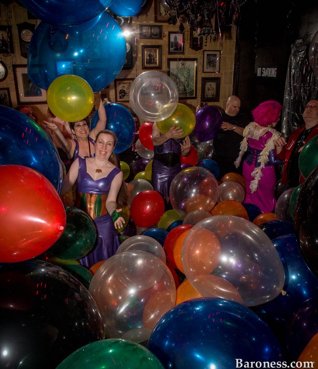 Balloon Fetish Pics 22